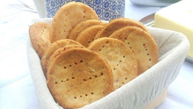 Crackers sin gluten de yuca natural