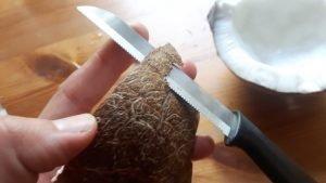 Pela el coco