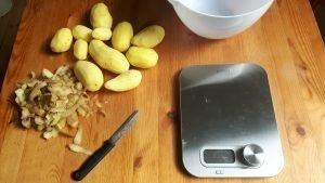 Pesar patatas y pelarlas