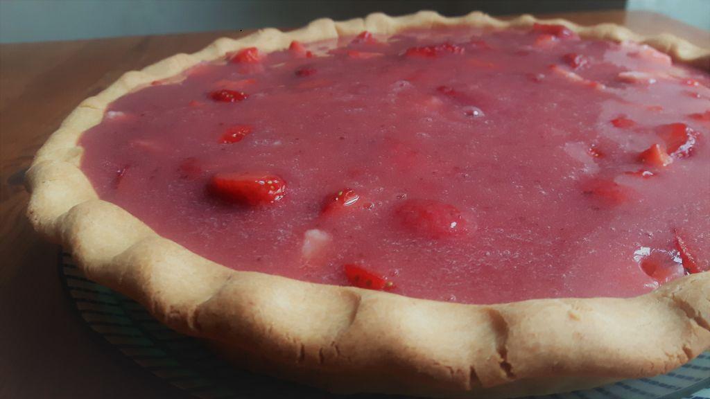 Tarta sin gluten con fresas naturales