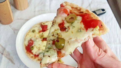 Pizza sin harina con yuca natural